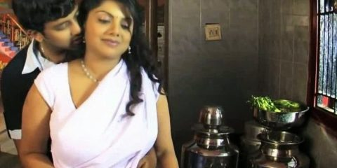 Ek Bindaas Aunty actress