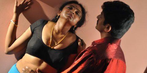 Tamil-Aunty-Waheeda-Hot-Navel-Show-In-Blouse-Pics-5